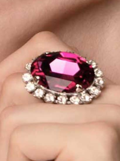 fuchsia swarovski crystal statement ring 3cm, onto gold metal, Swarovski Crystal fuchsia crystal oval ring, fuchsia 3cm oval gold ring, bridesmaids ring,