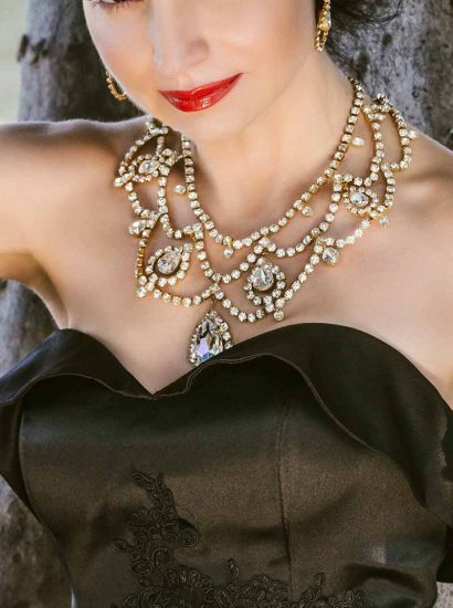 N009GL3 Moonlight Romance, Statement BIB Necklace Grand in Clear Crystal and Gold Metal, REDKI COUTURE JEWELLERY, BRIDAL NECKLACE GOLD, SWAROVSKI CRYSTALS BIB NECKLACE